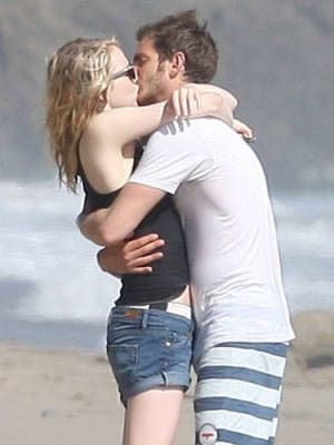 Emma Stone and Andrew Garfield~Hot Kiss