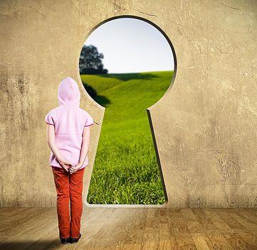 """Escuela de la Alegría. Crea tu realidad... Desde la ESCUELA DE LA ALEGRÍA estamos trabajando contigo, con vosotros y vosotras, para abrir un nuevo camino para la educación, una vía que pueda por fin conducir a nuestros niños y niñas a crear un mundo mejor desde una conciencia y un saber muy diferente al que hoy por hoy seguimos inculcando. """"Crear un mundo mejor"""", ¿una realidad, quizás? ... http://www.escueladelaalegria.com/#!crea-tu-realidad/cb06"""