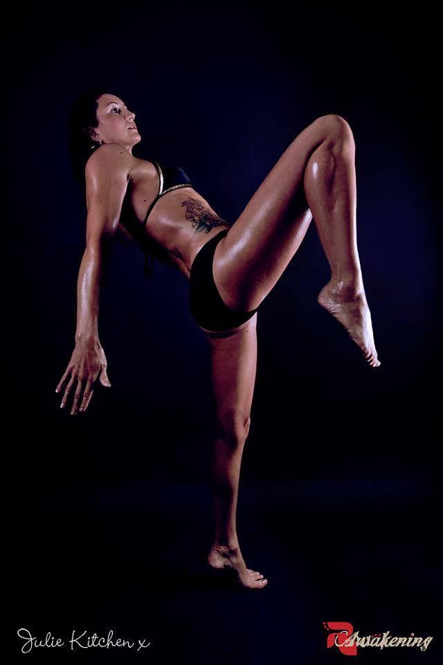 Sexy muay thai girl-2009
