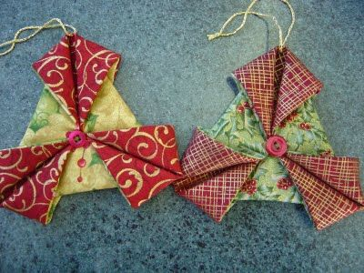 Another variation of the fabric ornaments. Easy, but with the right fabrics, so elegant. Thanks to Katrina in Hawkes Bay, New Zealand!!