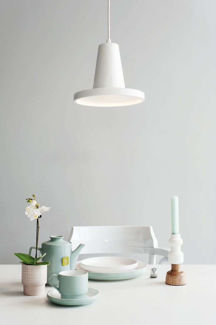 Come and take a look in our home. pt, kitchen table ware and a Leitmotiv lamp.