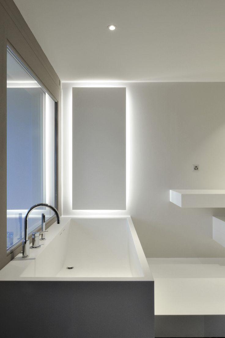 Baignoire et salle de bains, réalisées en V-korr Creative Surface.