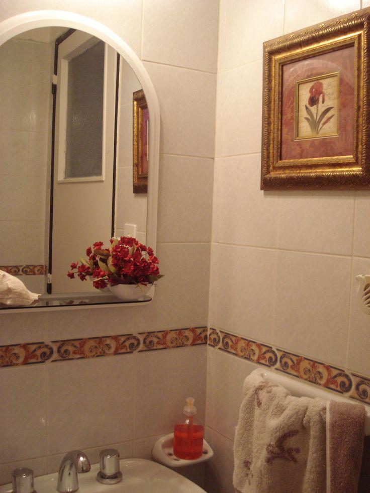 Arreglo pequeñito para baño de recibo.
