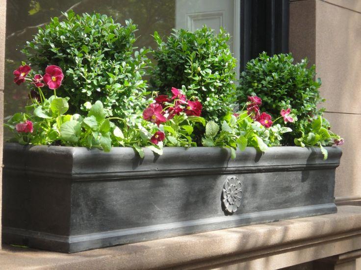 Les 25 meilleures id es de la cat gorie bac fleurs sur for Bac plantes exterieur