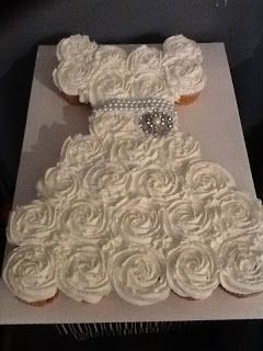 Bridal Shower Pull Apart Cupcake Cake Tutorial | Pinspired Creations--could be made into a princess dress--I could probably do this. :)