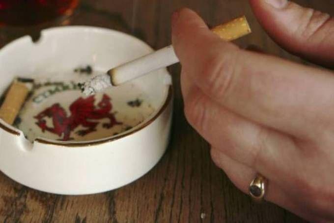 size_960_16_9_pessoa-fumando-cigarro.jpg