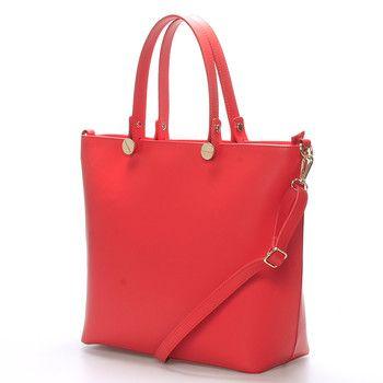 #italy #elza Korálová luxusní velká kožená kabelka do ruky ItalY. Kvalitní kabelka z Itálie, kterou si zamiluje každá žena. Zaujme Vás elegantním čistým designem a také využitím pro všechny příležitosti. Zavírá se zipem, uvnitř je velký prostor rozdělený kapsou na dvě části, na jedné straně má menší kapsu na zip a naproti dvě otevřené na drobnosti.
