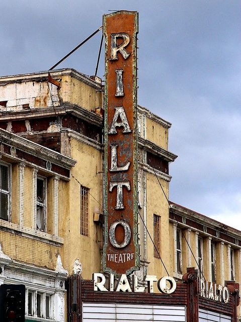Perfection Humphrey Bogart mentioned Rialto in one of his movies..classic