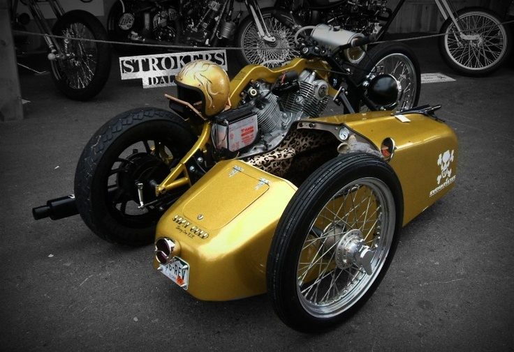 Yamaha Virago-based hardtail custom with sidecar in gold