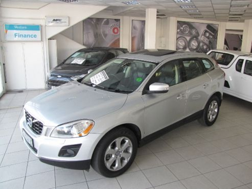 2010 Volvo XC60 T6 Geartronic •121 929 kms •All Wheel Drive •R 199 900  •6 Cylinder, Turbo Charged – 224kW •Black Leather Seats with Red Stitching •6 Speed Automatic Transmission •Automatic Aircon with Climate Control •Multi Function Steering Wheel  •Cruise Control •PDC Front and Rear •Electrically operating boot opener •6 x Airbags •Bluetooth telephony •Electric Memory Seats •SUNROOF •Alloy Wheels •Foglights •Rubber Boot Carpet Protector - Karen: 0827514596 / 084 5406178