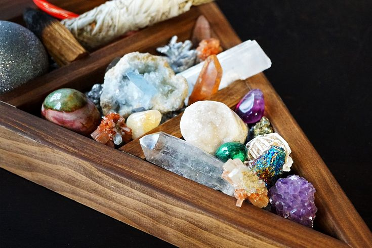 Let us be your crystal matchmakers! Find the healing crystal soulmate to couple with each of the special people on your holiday shopping list. #crystals