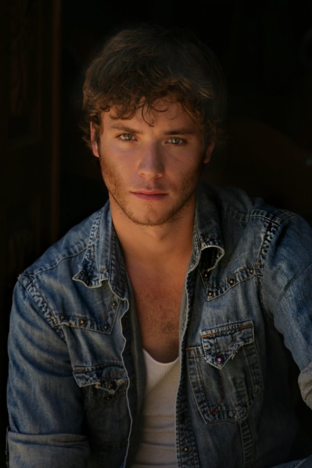 Jeremy Sumpter, grown up Peter Pan. :)