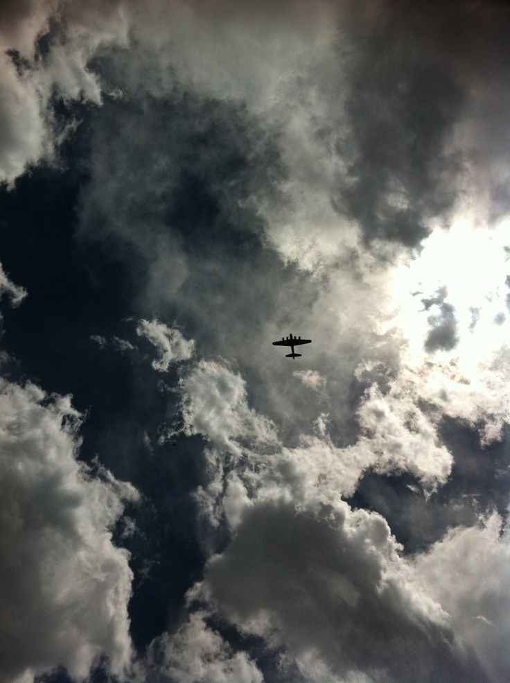 magnificent B-17Fly High, High Flyin, Clouds Formations, Clouds Covers, Fly Fortress, Aviones, B17 Fly, B 17 Fly, Planes