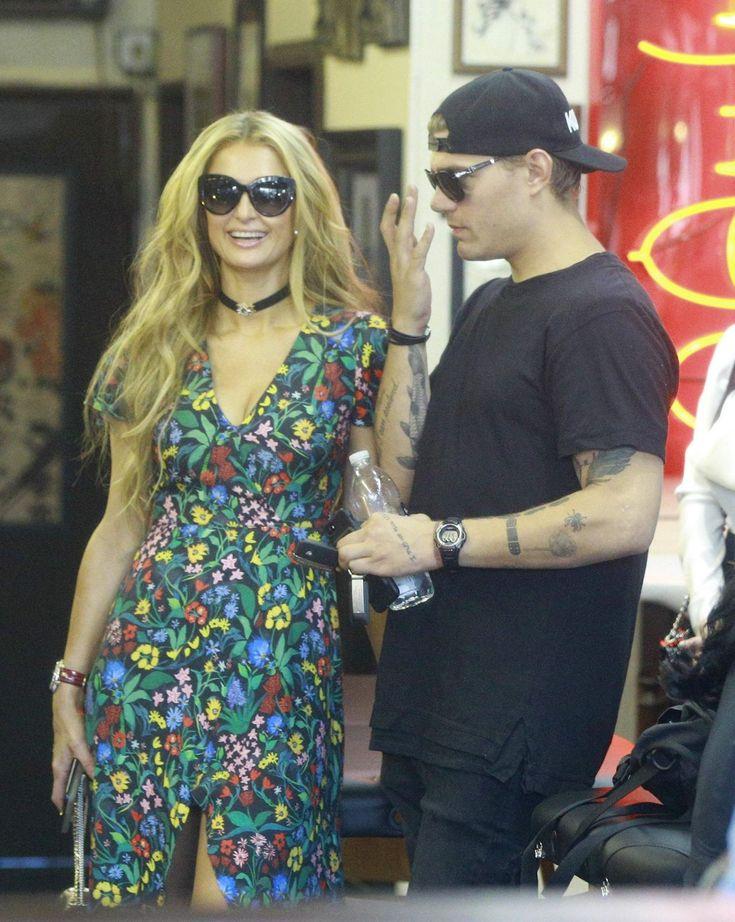 #Boyfriend, #LosAngeles, #ParisHilton, #Tattoo Paris Hilton and Her Boyfriend at a Tattoo Parlor in Los Angeles – 03/27/2017 | Celebrity Uncensored! Read more: http://celxxx.com/2017/03/paris-hilton-and-her-boyfriend-at-a-tattoo-parlor-in-los-angeles-03272017/