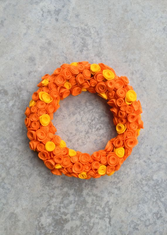 I think this would be good in Clemson colors too! | Fall Rosette Wreath via My Baking Addiction