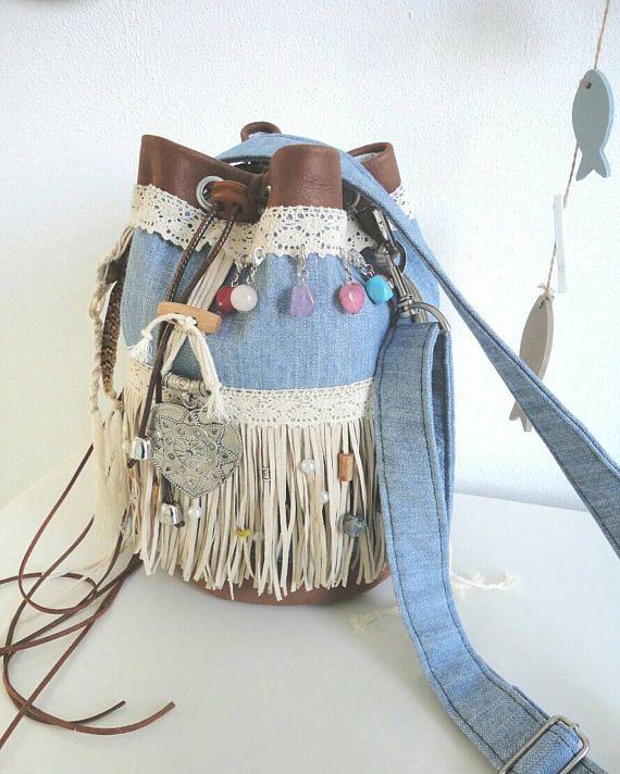 FREE SHIPPING!!! Hoi! Ik heb een geweldige listing op Etsy gevonden: https://www.etsy.com/nl/listing/522754038/bucket-bag-in-boho-ibiza-festival-style