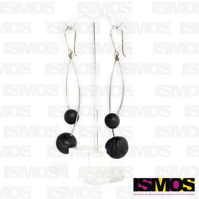 ISMOS Joyería: aretes de plata y barro negro // ISMOS Jewelry: silver and barro negro earrings