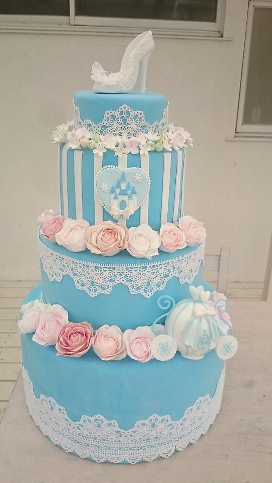 クレイで作る シンデレラ風ケーキ  http://www.weddingpartyfactory.com/  I'm artist of wedding items by clay. I've spread Kawaii from