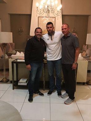 Los vigentes campeones Tigres del Licey designaron a Luis Urueta como manager para la temporada de béisbol invernal dominicano 2017-2018. El Urueta, quien en la temporada anterior fungió como asistente de dirigente del conjunto y fue el manager a la selección de Colombia en el recién finalizado