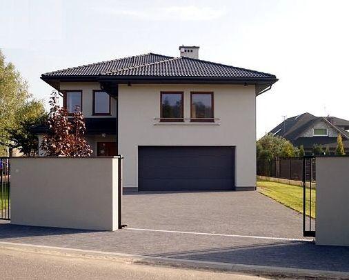 Elewacje Zuzzy: Grafitowy dach, ciemne okna cz.1