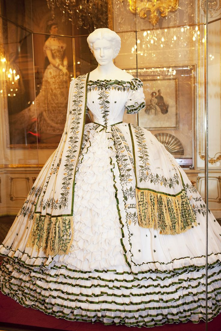 "musicofthehyperspheres:  ""Replica of a dress worn by Empress Elisabeth at the ball given on the eve of her departure for her wedding. Embroidered on the skirt and stole are Arabic characters, which in translation read: ""Oh my Lord, what a beauteous..."
