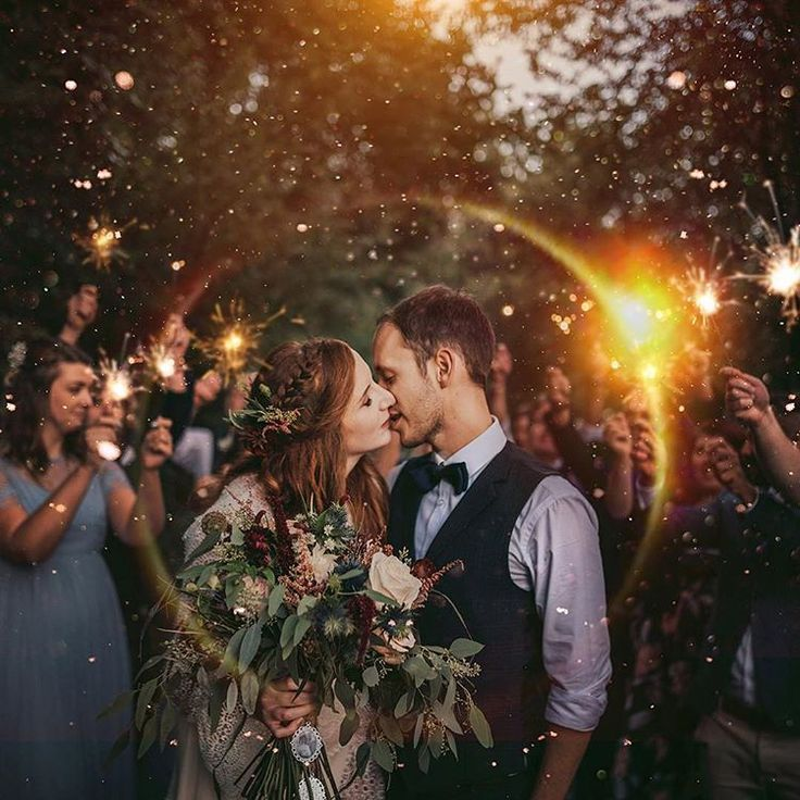 Prime 20 Should See Evening Marriage ceremony Pictures with Lights