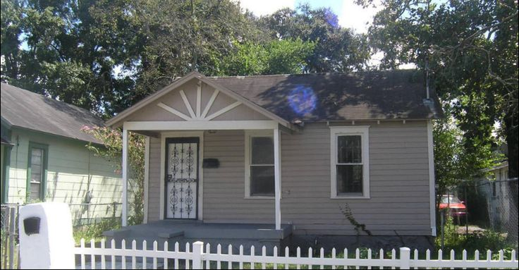 1118 West 22nd Street Jacksonville, FL 32209 Asking Only $31,000 + $5,000 fee  ARV: $40,000  Repair Cost: Light $9,000 Est.  Rent Rate:$700/mo  Bedrooms: 3  Bathrooms:2  Lot Size: 4,971 Sq. Ft  Central Air  Year Built: 1928  The property is Occupied but will be vacant August 15, 2017  This property is a single family home that requires updating to both bathrooms and has some flooring issues.