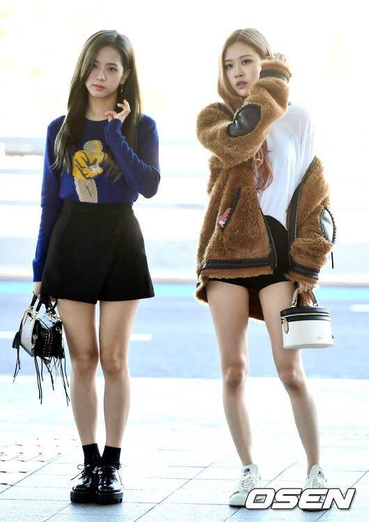 6a77e4d9e83b6 180908 BLACKPINK Jisoo, Rosé, and Lisa at Incheon Airport, heading to New  York for the New York Fashion Show this weekend #blackpink…