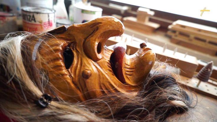 Zu Besuch beim Maskenschnitzer in Altensteig