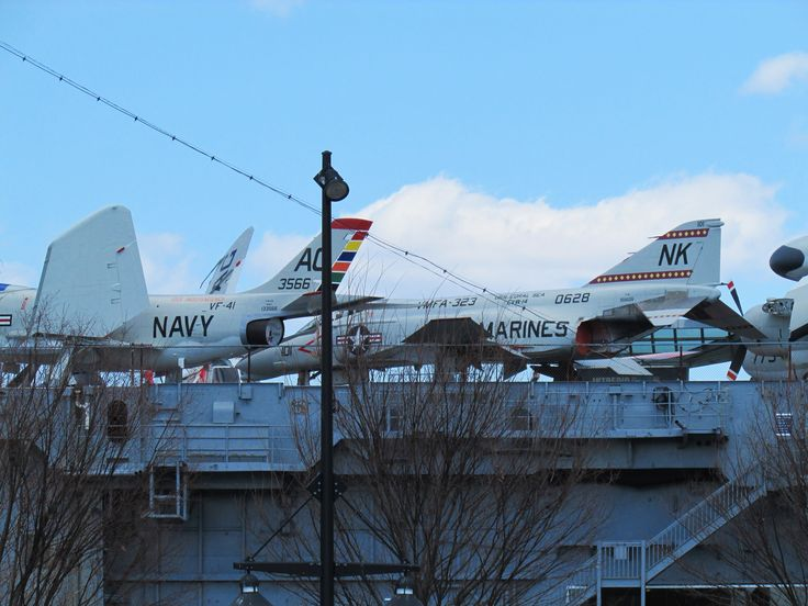 Planes on top of the Intrepid