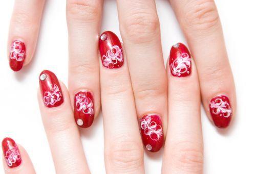Nagel met rode nagels paintet