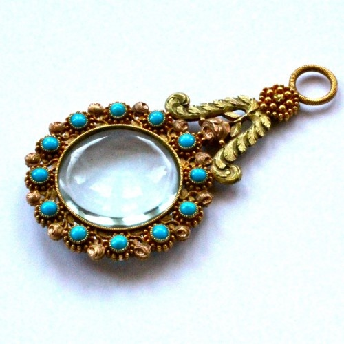 1800 ca.  18ct Turquoise Quizzing Glass.  Double sided three color gold.