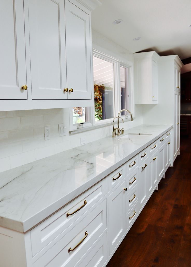 All White Kitchen With Marble Countertops Marble Countertops Kitchen White Marble Kitchen Kitchen Design Small