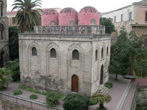 Chiesa San Cataldo La Chiesa di San Cataldo è un tempio cristiano eretto nell'XII secolo e situato in piazza Bellini a Palermo- Cerca con Google