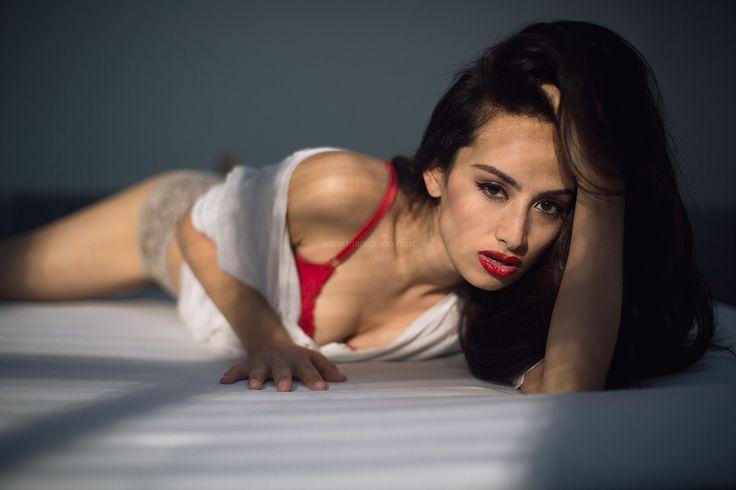 Red lips Photography: Mark de Roo Model/ actress: Rebecca Danielle Hanser