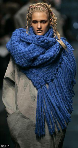 blue chunky knit: Fashion Scarves, Knits Crochet, Knits Scarves, Cobalt Blue, Blue Knits, Chunky Scarves, Chunky Shawl, Chunky Knits, Crochet Scarfs