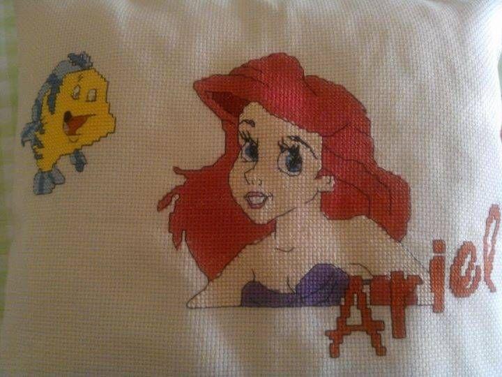 Il cuscino d Ariel realizzato per la mia Bambina....