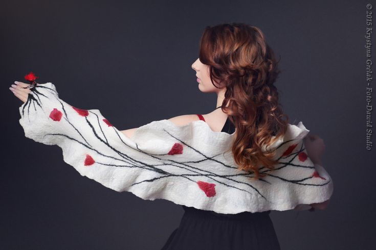White wedding scarf with red flowers - a perfect accessory for a bride or bridesmaid to wrap in in a cold wedding day  #scarf #wedding_scarf #felt_scarf #felted_scarf #white_scarf #shawl #scarf_with_flowers #felted_shawl