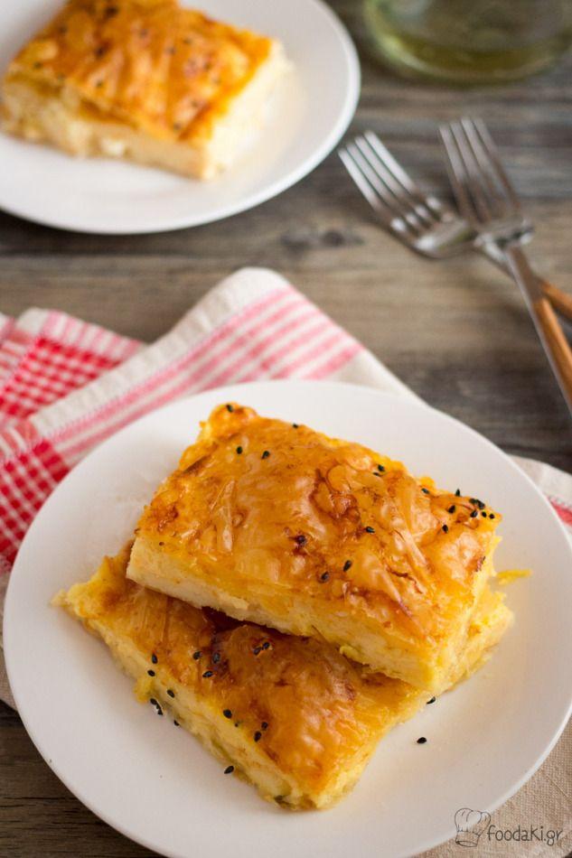 Πλούσια και χορταστική, η τυρόπιτα με κασέρι και γραβιέρα είναι κλασική αξία στο Ελληνικό τραπέζι! - Melting cheddar and gruyere cheeses make for a delicious and easy Greek style pie