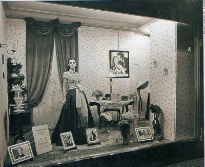 Lo que el viento se llevo. En las vidrieras de Harrod´s se reconstruían escenas de la película. Septiembre de 1940