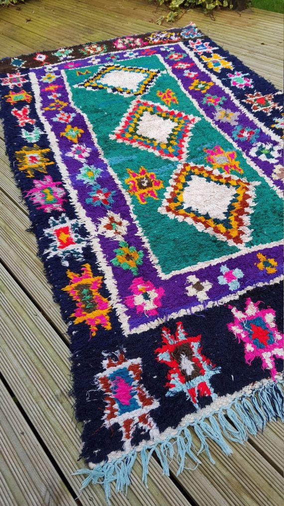 Wunderschöne Vintage marokkanischer Teppich von hand gewebt, aus Fetzen Stoff / Boucherouite / Boucherouette  Sie waren schön, gefertigt aus der