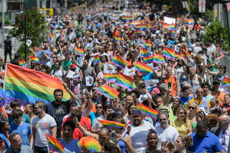 Celebrate gay rights at the Pride parade-NYC's biggest LGBT party. The Gay Pride parade in NYC starts on Sunday, June 26, 2016 at noon. See the pride parade route map, 2016 event information and photos from past year's parades. | Time Out