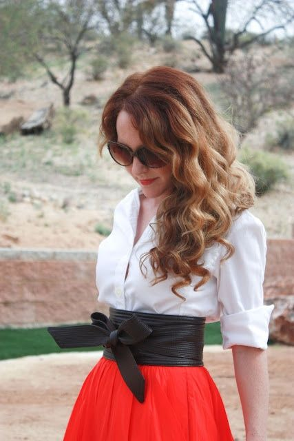 Love how the red skirt brightens up this outfit :) & the obi belt hilights the waist nicely