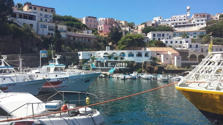 Ustica - The arrival from Palermo