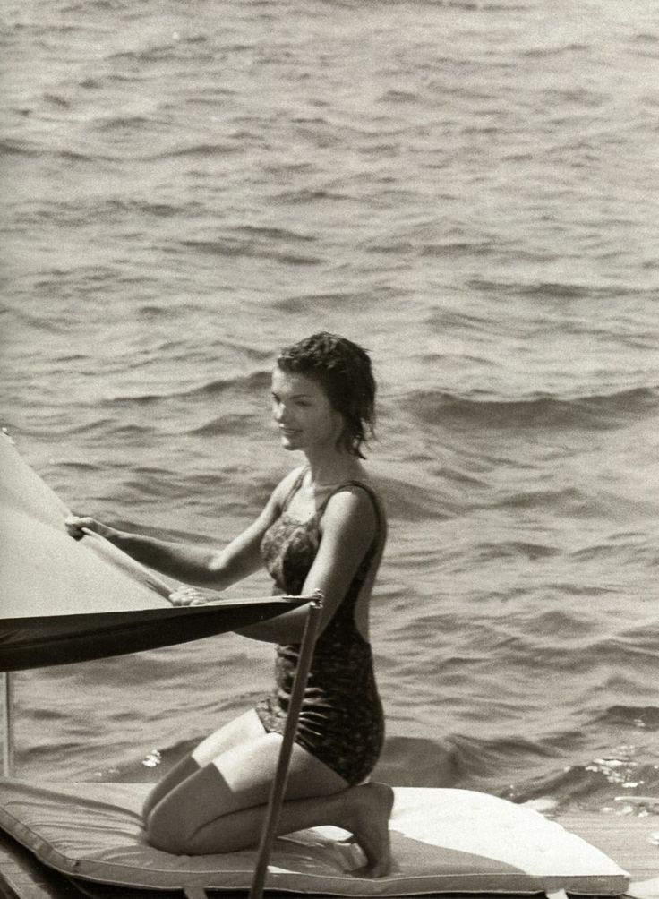 Jackie Kennedy na dopustu v Ravellu, Italija, 1962-4673