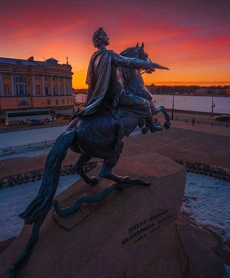 огромную памятники санкт петербурга фотографии или вишня