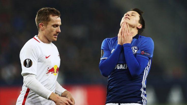 Eurolegue 16/17: RB Salzburg - Schalke 04 2:0 - Niederlage mit zweiter Mannschaft - Schalkes Yevhen Konoplyanka (r.)