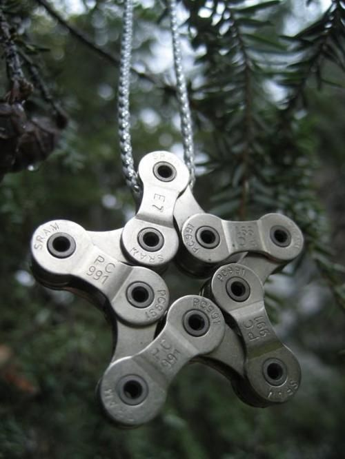 Make Holiday Ornament From Bicycle Chain Christmas Trees Bike Chain And Wedding