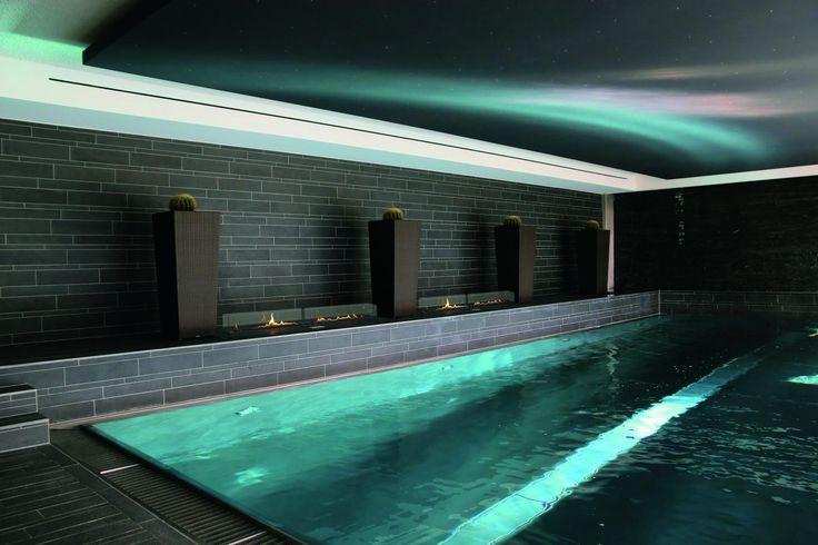 Chimenea de bioetanol para exteriores o interiores y junto a piscinas para crear espacios únicos #piscina #decoración #piscina interior #picina cubierta #bioetanol