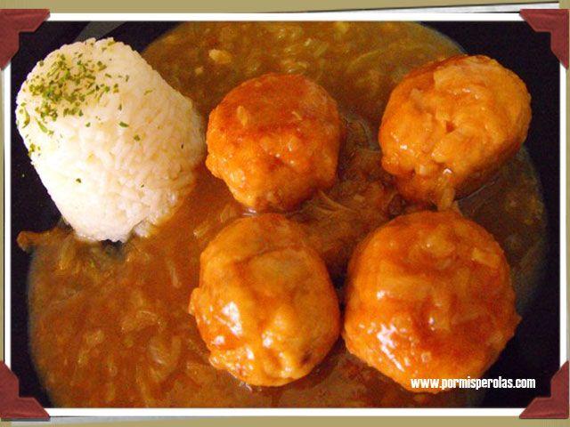 Empezamos pineando la última receta del blog. http://www.pormisperolas.com/recetas/albondigas-de-atun-en-salsa-de-cebolla/